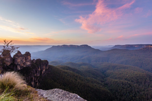 A Scenic Tour of the Blue Mountains | Atsuna Matsui